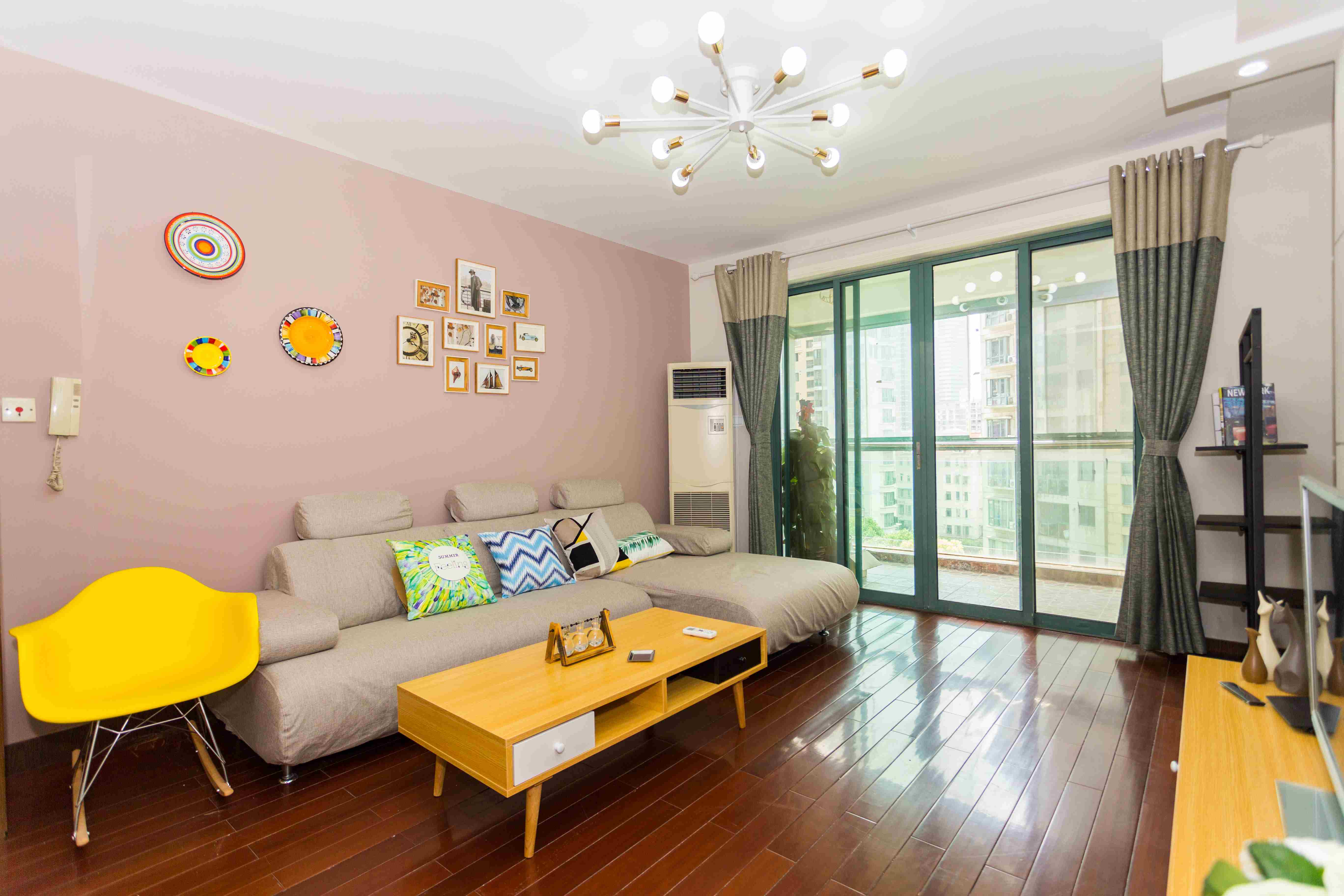 CHANGNING:Zhongshan park.A nice 3 bedroom with 2 bath.L2/3/4.Price=14500rmb.