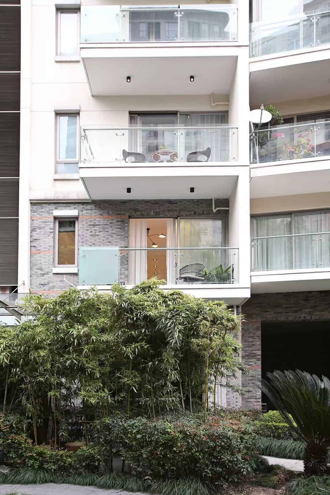 Huangpu;South Jinan rd lane 168.A bright 4brm+3bth.L1/2/8.price=55000rmb.